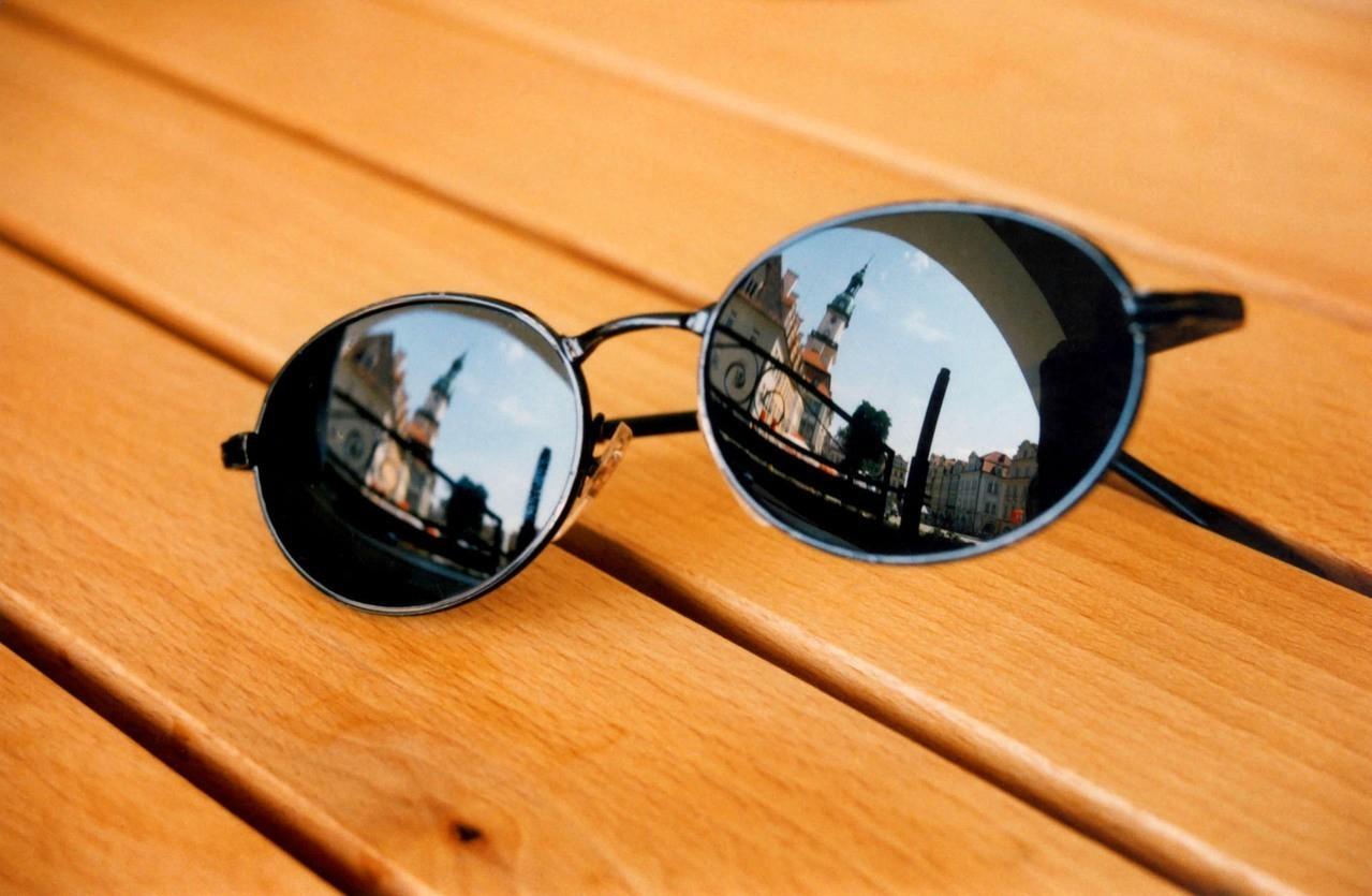 Ciekawe dodatki odzieżowe na lato – co wybrać?