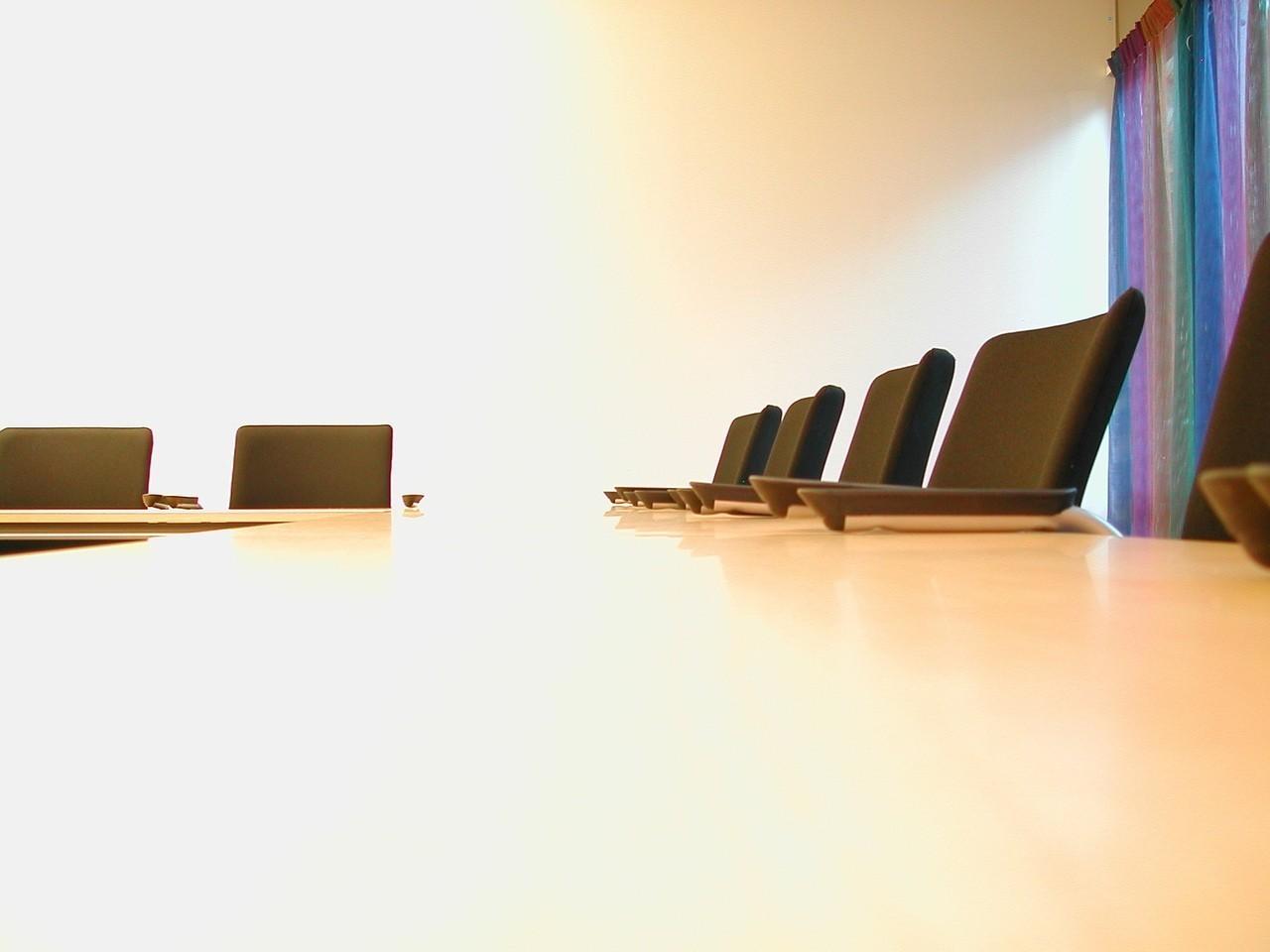 Zestaw mebli konferencyjnych